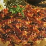 obuoliu-pyragas-su-graikiniais-riesutais_receptai